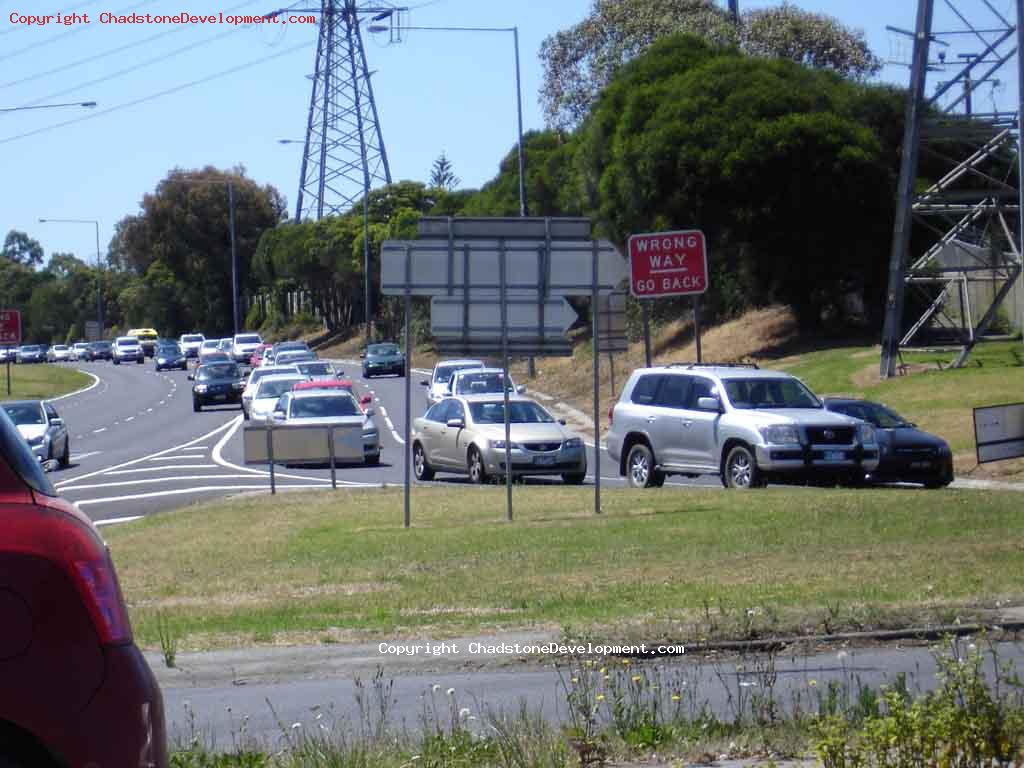 Queues on Monash Fwy exit to Warrigal Rd - Chadstone Development Discussions
